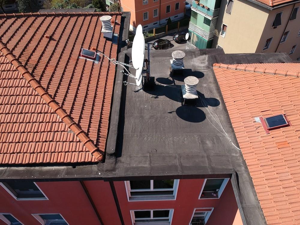 Dasù-ispezione-tetto-condominio-drone-milano