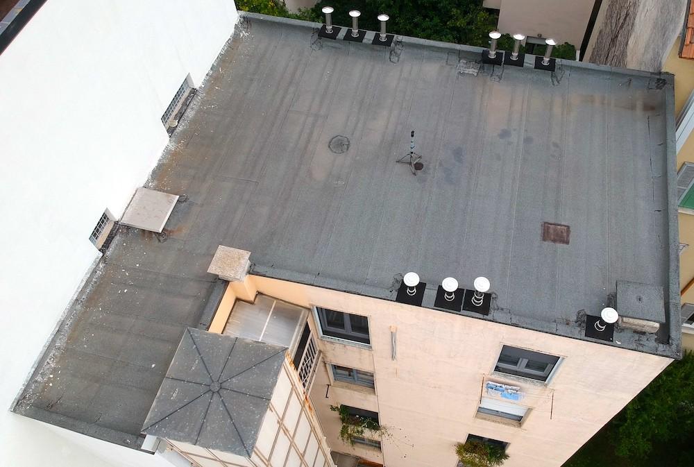 Dasù-ispezione-tetto-condominio-milano-drone