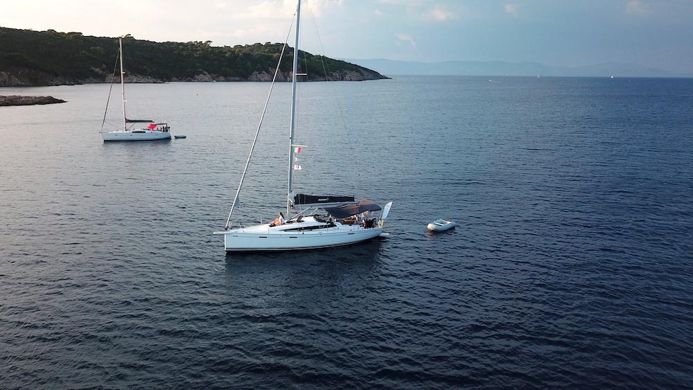 Dasù-pubblicità-charter-vela-drone