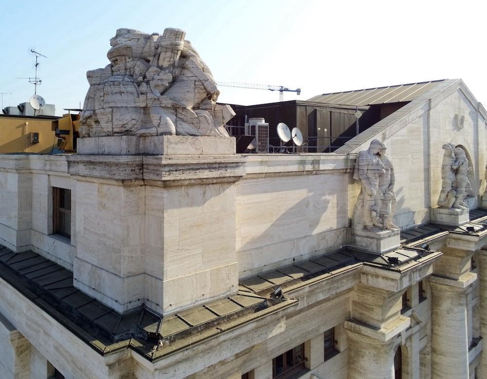 Monitoraggio aereo con Drone di Palazzo Mezzanotte (Piazza degli Affari, Milano)