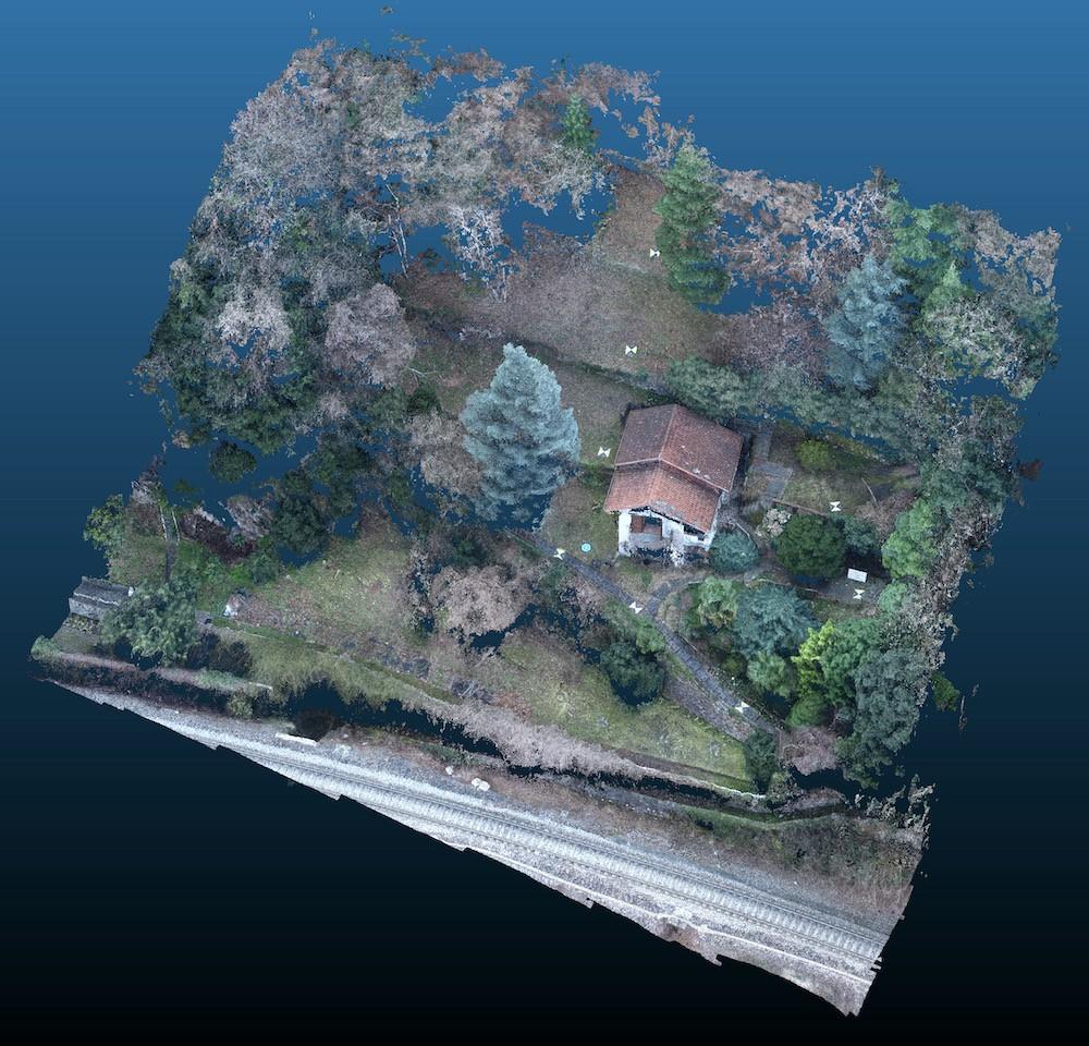 Rilievo con Drone del Terreno di una Villa