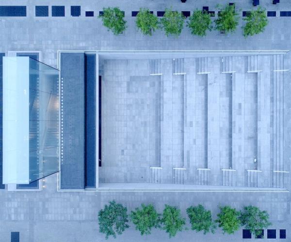 Dasù-Milano-Drone-Piazza-Liberty-Apple