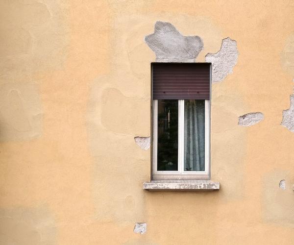 Dasù-ispezione-facciata-drone-condominio