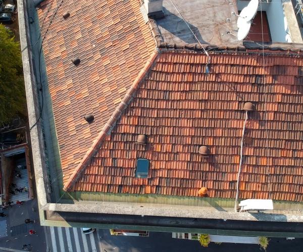 Dasù-ispezione-grondaia-tetto