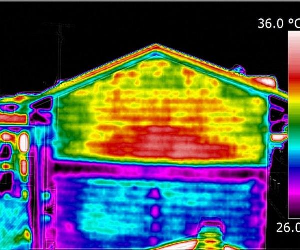 Analisi dei ponti termici degli edifici, per esempio nei condomini