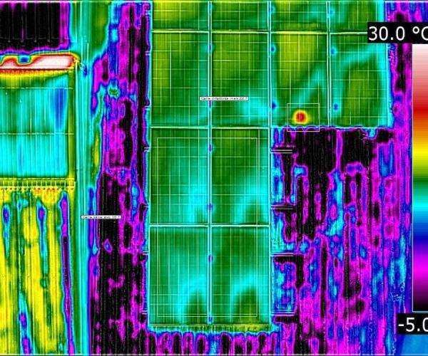 Dasù-termografia-condominio-fotovoltaico-drone